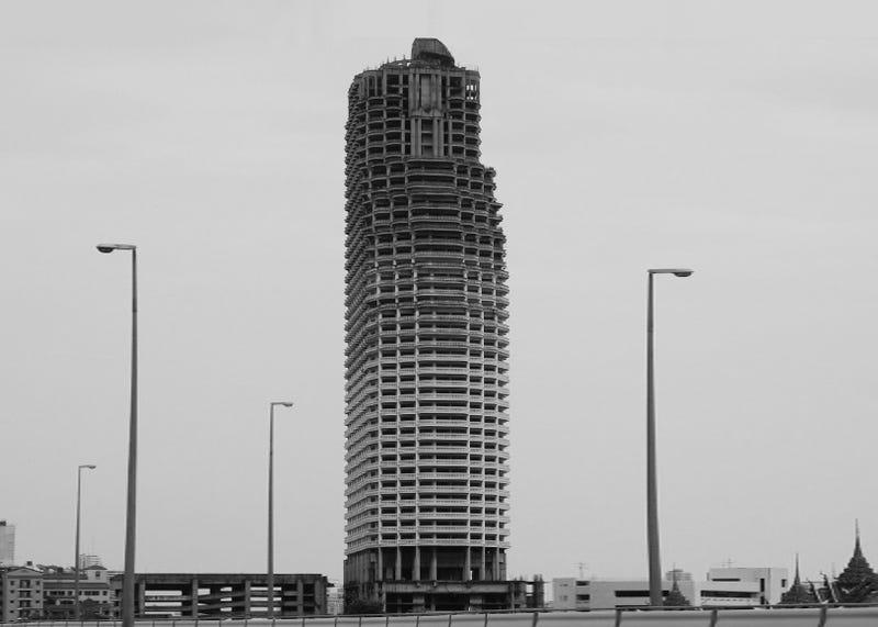 Illustration for article titled Inside Bangkok's Abandoned, Half-Finished Ghost Tower