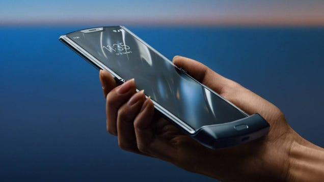 Foldable Moto Razr Gets Delayed Less Than a Week Before Pre-Orders Go Live