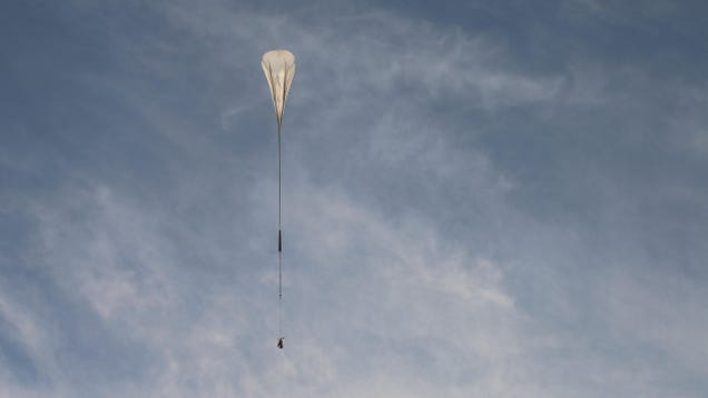 A Super-Pressure Balloon Will Keep This Telescope in the Air for Weeks