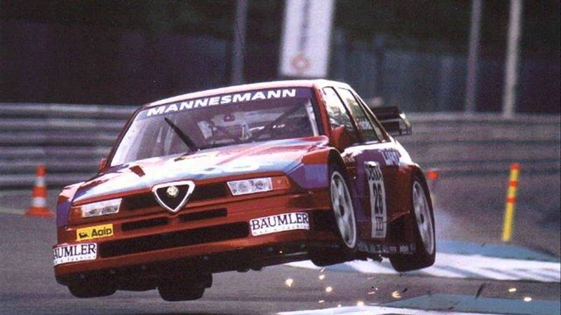Illustration for article titled A wild Alfa Romeo 155 V6 TI DTM appears!