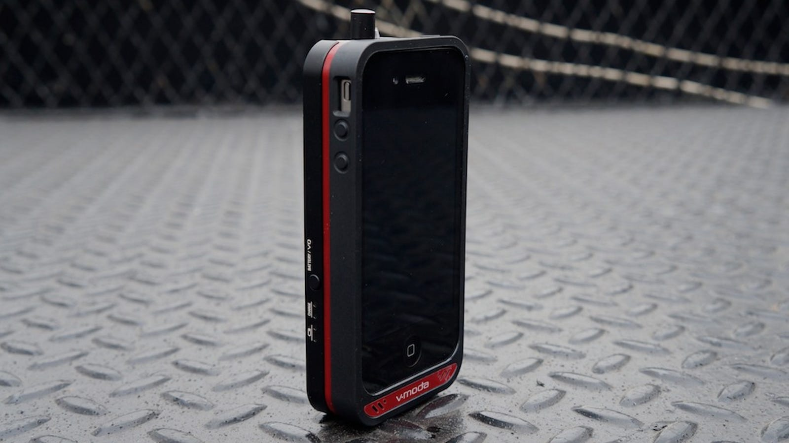 skullcandy earbuds collar - V-Moda Vamp Packs a Headphone Amp and DAC Into an iPhone Case to Make Your Music Sing