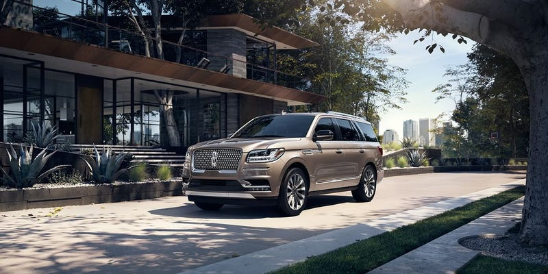 Illustration for article titled Is the updated Ecoboost in the 2018 Navigator a threat to the Coyote 5.0?
