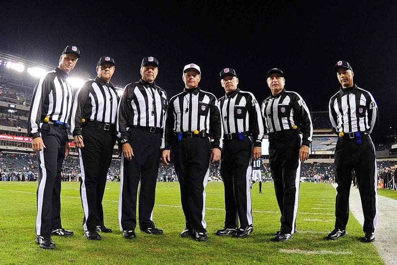 Illustration for article titled The Looming NFL Referee Strike