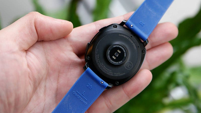 Samsung's Gear Sport Is Easier to Use Than the Apple Watch, But