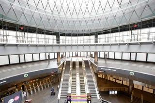 Illustration for article titled Nueva York por fin tiene una estación de metro moderna