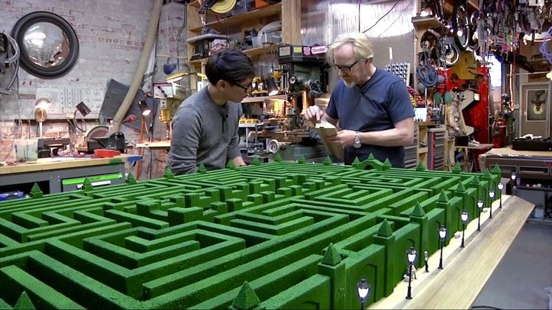 Illustration for article titled Mythbusters' Adam Savage painstakingly recreated The Shining's maze