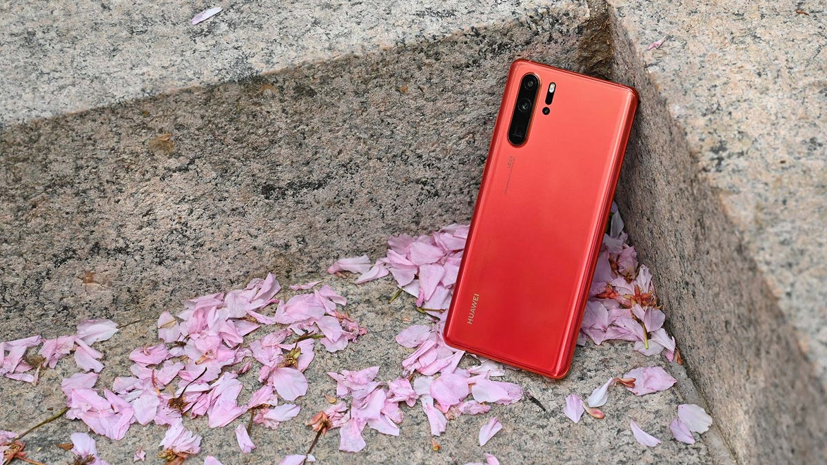 Huawei P30 Pro Review: Rewriting the Rules of Smartphone