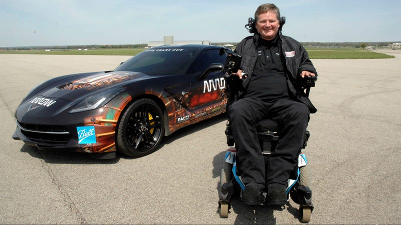 Illustration for article titled A Quadriplegic Racer Will Steer a Stingray With His Head at the Indy 500
