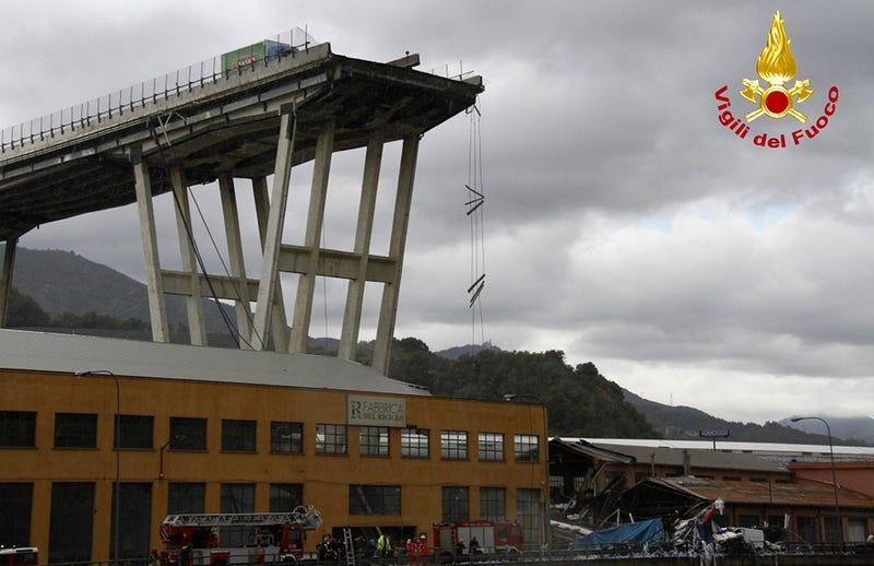 Illustration for article titled Un ingeniero alertó en 2016 de que el puente derrumbado hoy en Génova tenía problemas estructurales