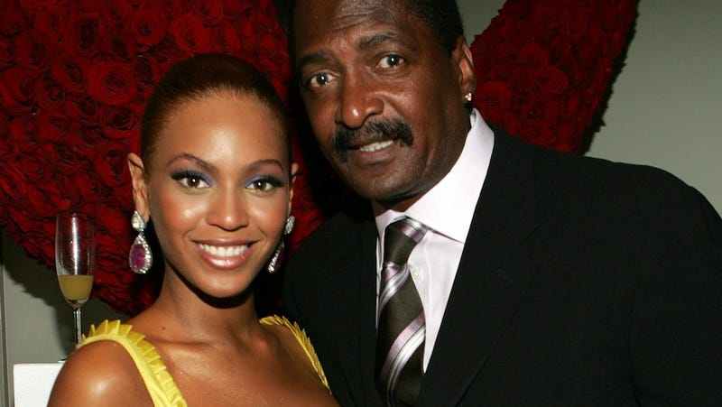 Illustration for article titled Mathew Knowles Trying to Make Extra Dough By Selling Beyoncé's Stuff