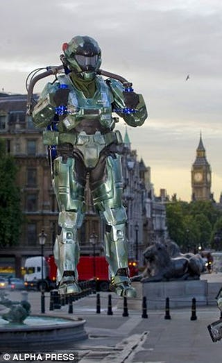 Illustration for article titled Halo: Reach Launches Jet Packs In Trafalgar Square
