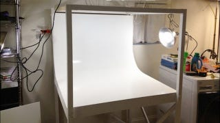 Illustration for article titled This DIY Mini Photo Studio Is Perfect for Amateur and Pro Photographers