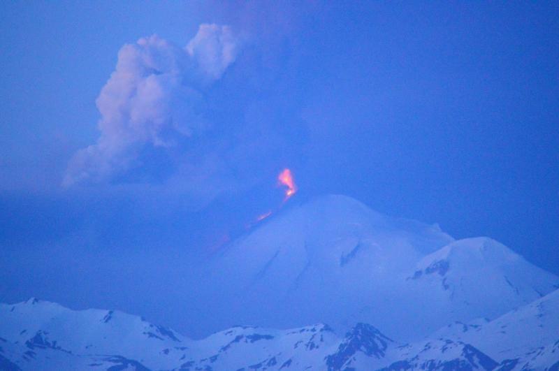Illustration for article titled Five Active Volcanoes in Alaska