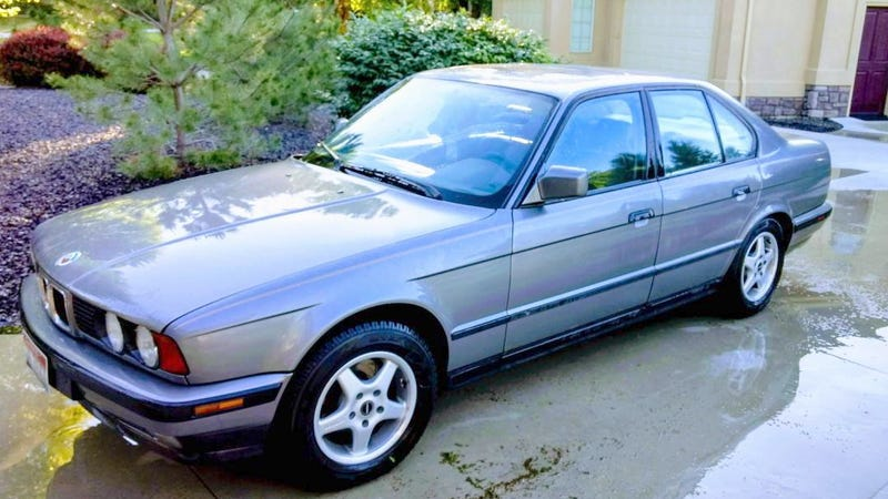Illustration for article titled At $1,800, Would You Side With This Mega-Mileage 1991 BMW 535i?