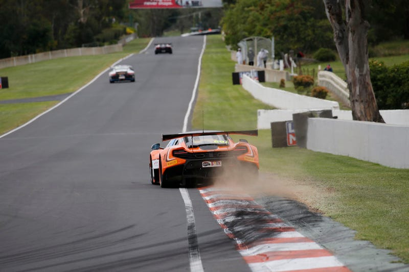Illustration for article titled Rewatch The Bathurst 12h Qualifying Session