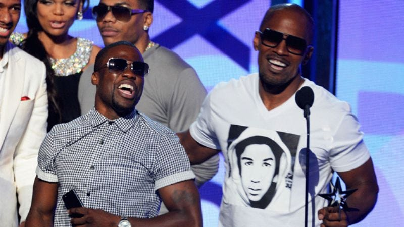 Illustration for article titled Kevin Hart may be resentfully partnered with Jamie Foxx next