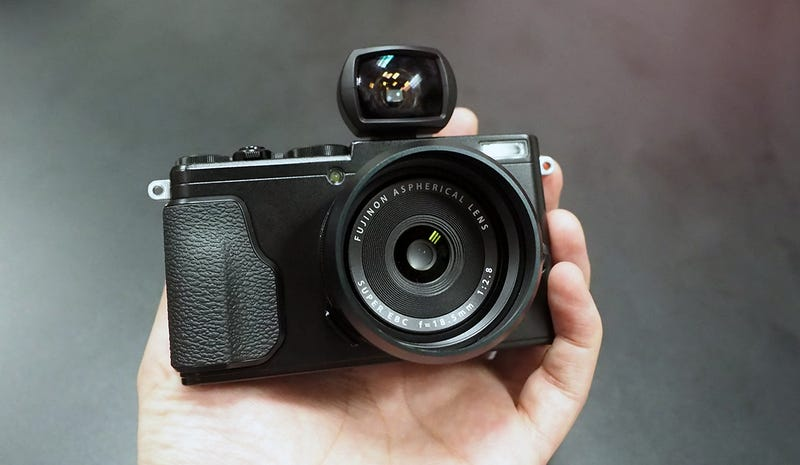 Illustration for article titled Fujifilm's X70 Is the Palm-Sized, Retro-Styled Camera We've Been Waiting For