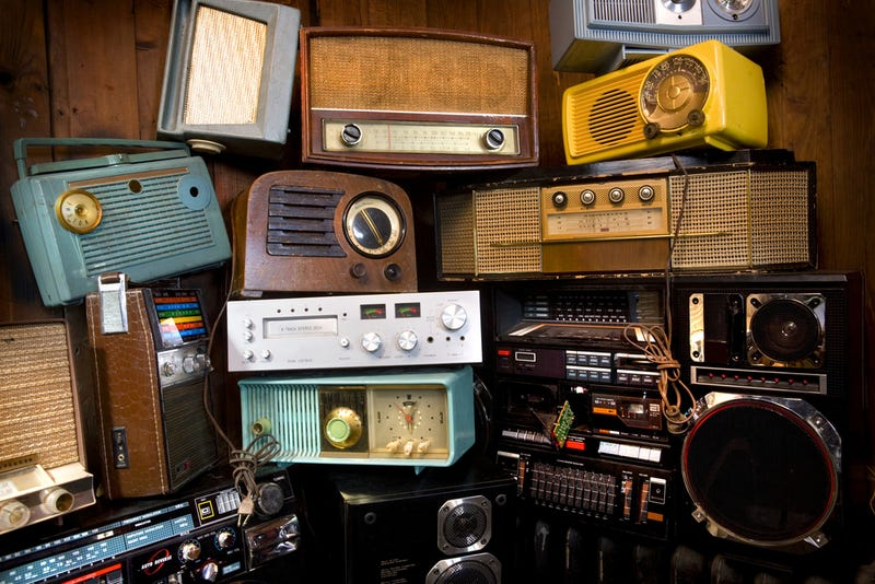 Illustration for article titled Which Obsolete Tech Will You Never Throw Away?