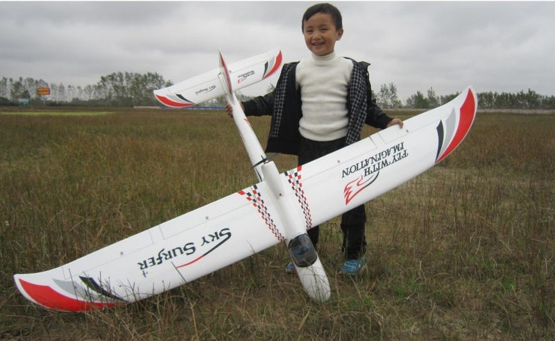 """Illustration for article titled Christian Builds a Glider Like a Big Boy: Chapter 20.2 of """"Grey"""""""