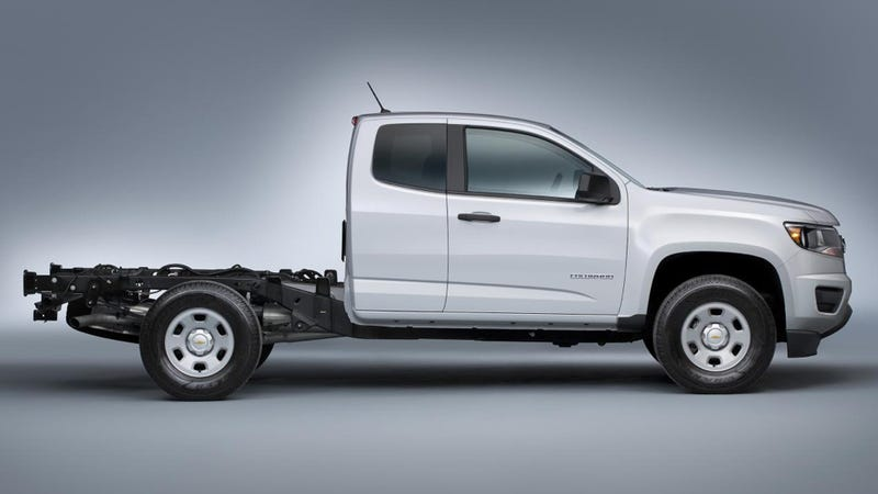 Illustration for article titled 2015 Chevy ColoradoChassis-Cab Can Carry 2,200 Pounds Of Anything