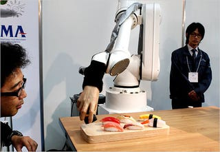 Illustration for article titled Robots Making Your Food