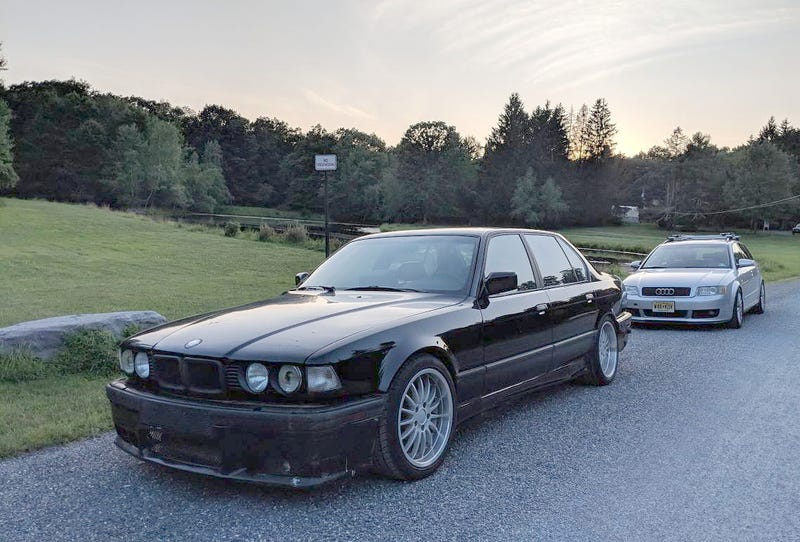 Illustration for article titled At $6,500, Are You Bold Enough to Buy This Blown 1988 BMW 750iL?