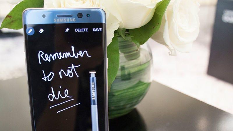 Illustration for article titled Las explosiones del Galaxy Note 7 fueron oficialmente por culpa de la batería, según una fuente interna