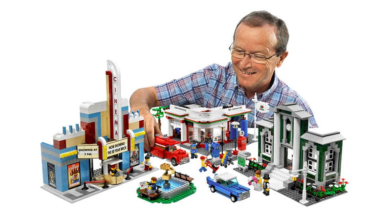 Illustration for article titled LEGO Town Plan 50th Anniversary Set Includes Three Golden Bricks