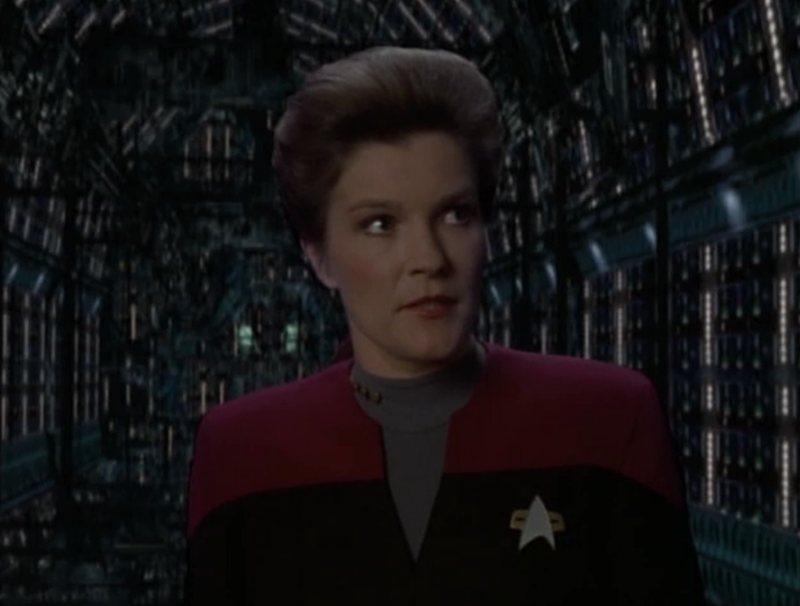 Illustration for article titled Kate Mulgrew Actually Studied Physics To Understand Captain Janeway's Dialogue