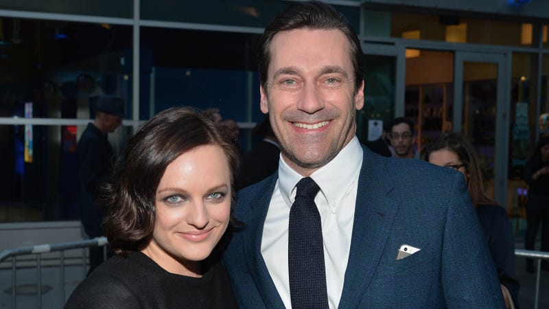 Illustration for article titled Jon Hamm Laughs Off Rumors of Secret Affair with Elisabeth Moss