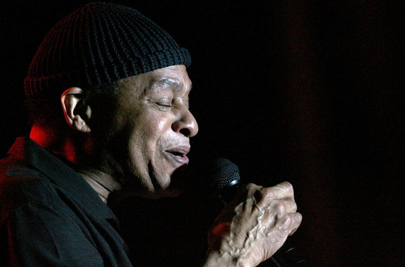Legendary jazz singer Al Jarreau dies, CBS reports