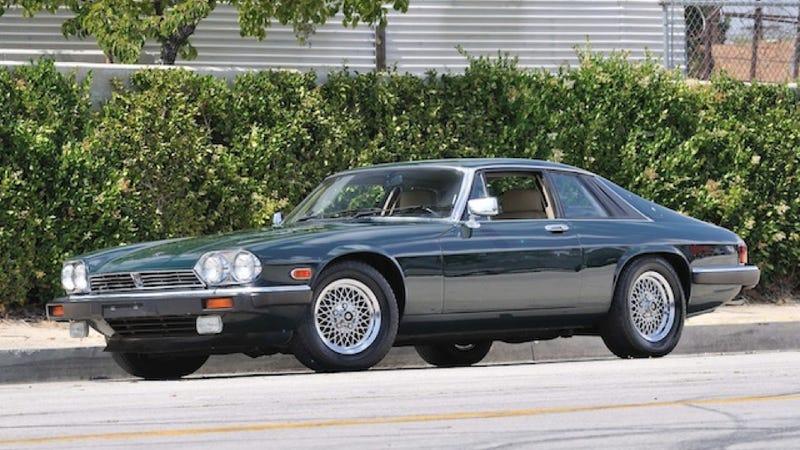 Illustration for article titled No Celebrity Car Is Cooler Than Frank Sinatra's Jaguar XJS