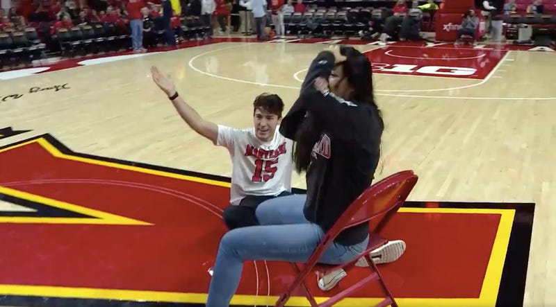 Illustration for article titled The Sports Highlight Of The Day Is This Maryland Fan's Refusal To Lose At Musical Chairs