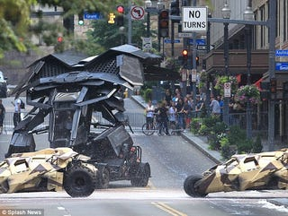 Illustration for article titled The Dark Knight Rises Set Photos