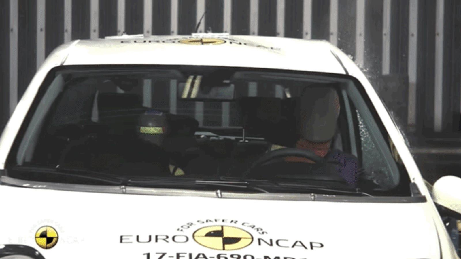 Esto es lo que pasa cuando el primer automóvil con cero estrellas en el test de seguridad Euro NCAP choca a 50 km/h