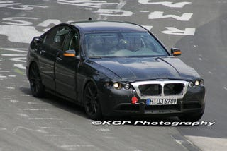 Illustration for article titled 2010 BMW 5-Series Spotted At The Ring, We Get All Up In Its Grille