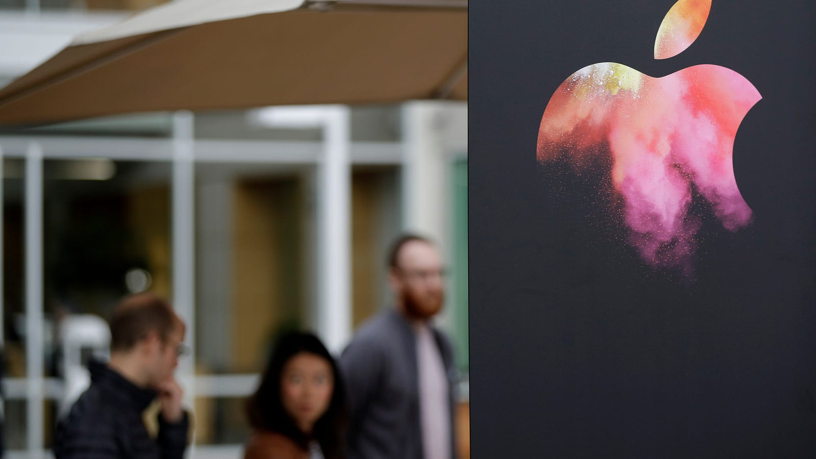 gizmodo.com - William Turton - Leaked Document Details Apple Employee Injuries, Hints At Secretive New Products