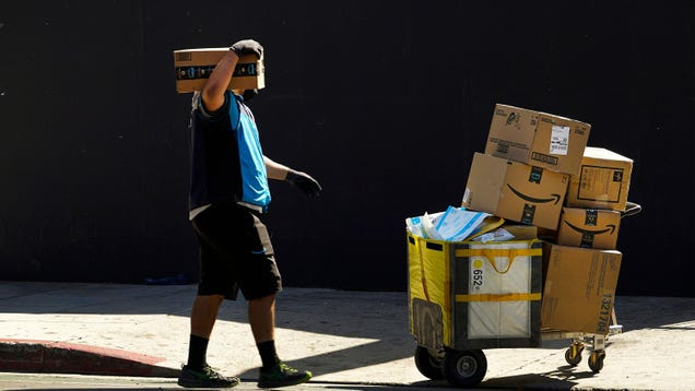 Despite Spread of Infectious Delta Variant, Amazon to Stop Testing Warehouse Workers