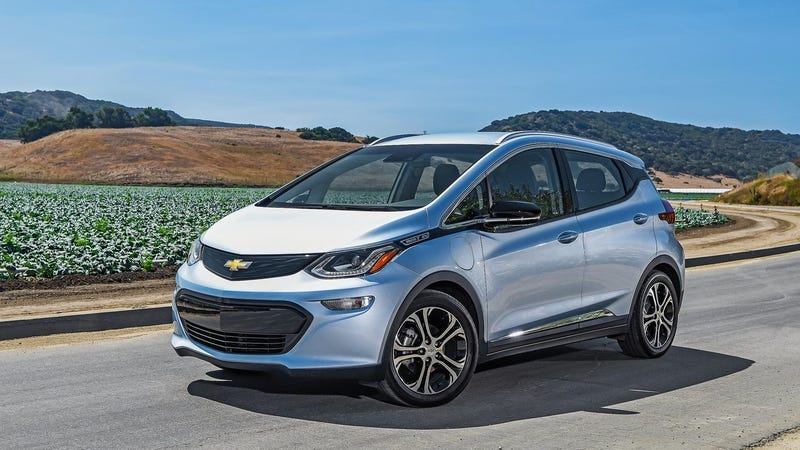 the chevy bolt outsold the volt and now it 39 s awkward. Black Bedroom Furniture Sets. Home Design Ideas