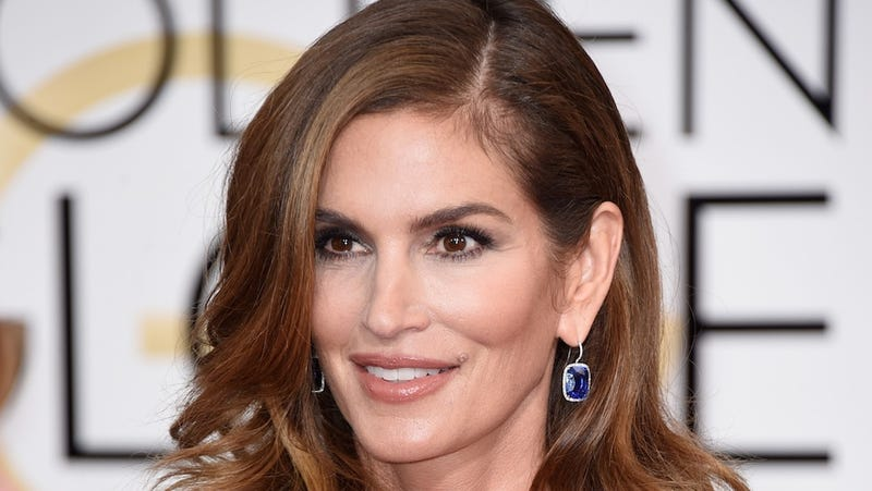 Cindy Crawford Says Her Celebrated Untouched Photo Was Altered And