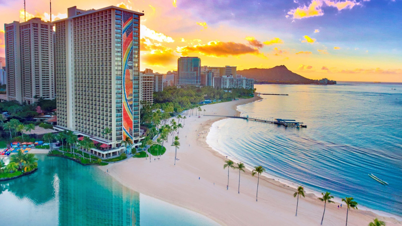 Hilton Hawaiian Village Waikiki Beach | Travelzoo