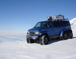 Illustration for article titled The Land Vehicles of Antarctica