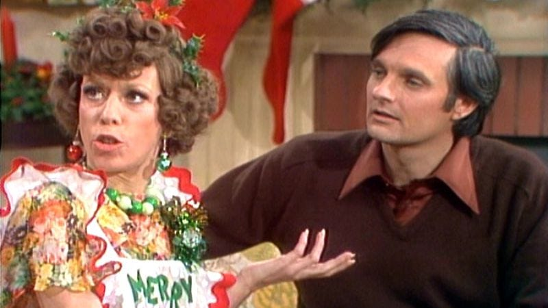 Illustration for article titled Alan Alda brought out the absolute best in The Carol Burnett Show