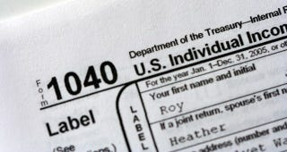 Illustration for article titled How Do You Prepare Your Taxes?