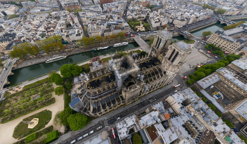 Illustration for article titled La catedral de Notre Dame tras el incendio en una foto de 1.000.000.000 píxeles