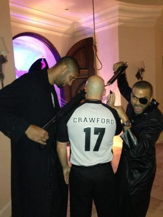 Illustration for article titled Tim Duncan And Tony Parker Mock-Executed Their Referee Nemesis Joey Crawford On Halloween