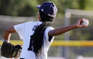 Illustration for article titled 13-Year-Old Girl Pitches Shutout To Send Team To LLWS