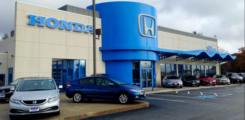 why are honda dealers blue in the us