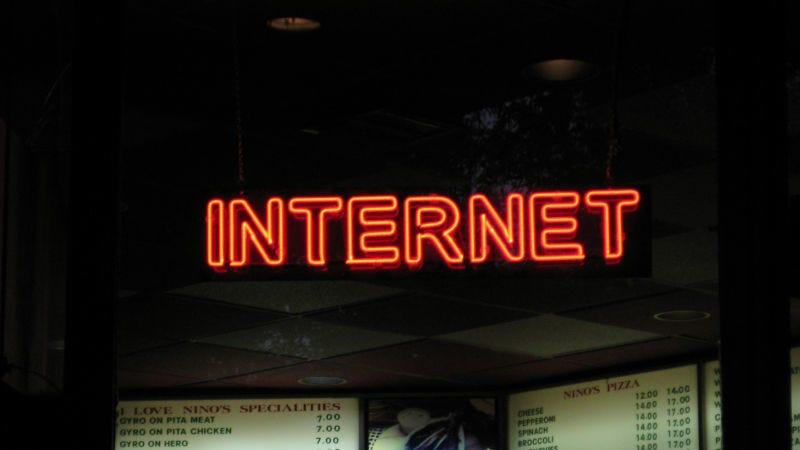 Illustration for article titled Canadá declara el acceso a Internet de alta velocidad un derecho básico con un mínimo de 50Mbps