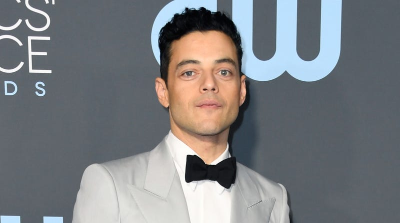 Illustration for article titled Rami Malek says he didn't know anything about Bryan Singer allegations before Bohemian Rhapsody